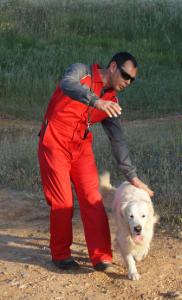 Guía canino de la Unidad Canina de ByR Humancan