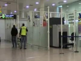 "alt=""perro detector descubre maleta cocaína aeropuerto Prat"""