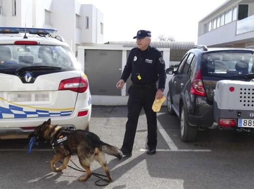 "alt=""unidad canina Policia Local Formentera"""