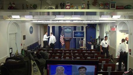 "alt=""perro detector Casa Blanca"""
