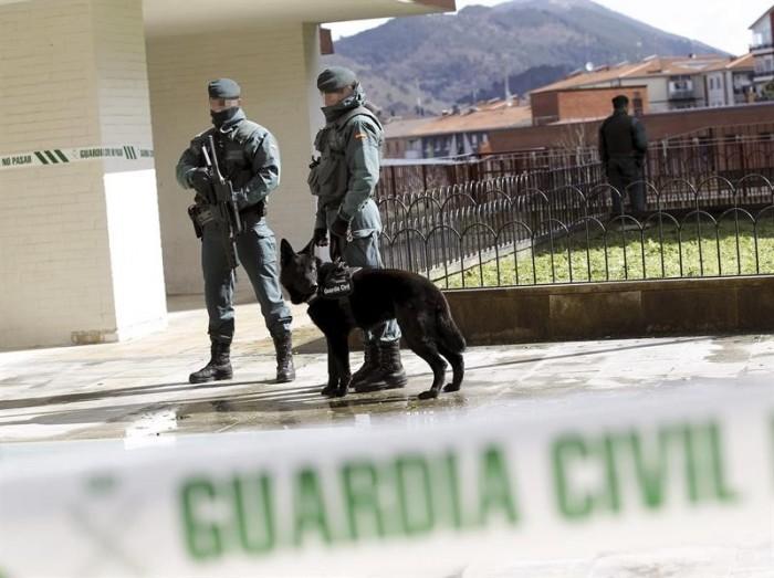 """alt=""""perros Guardia Civil detenciones ETA"""""""