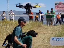 """alt=""""drones y perros de rescate"""""""
