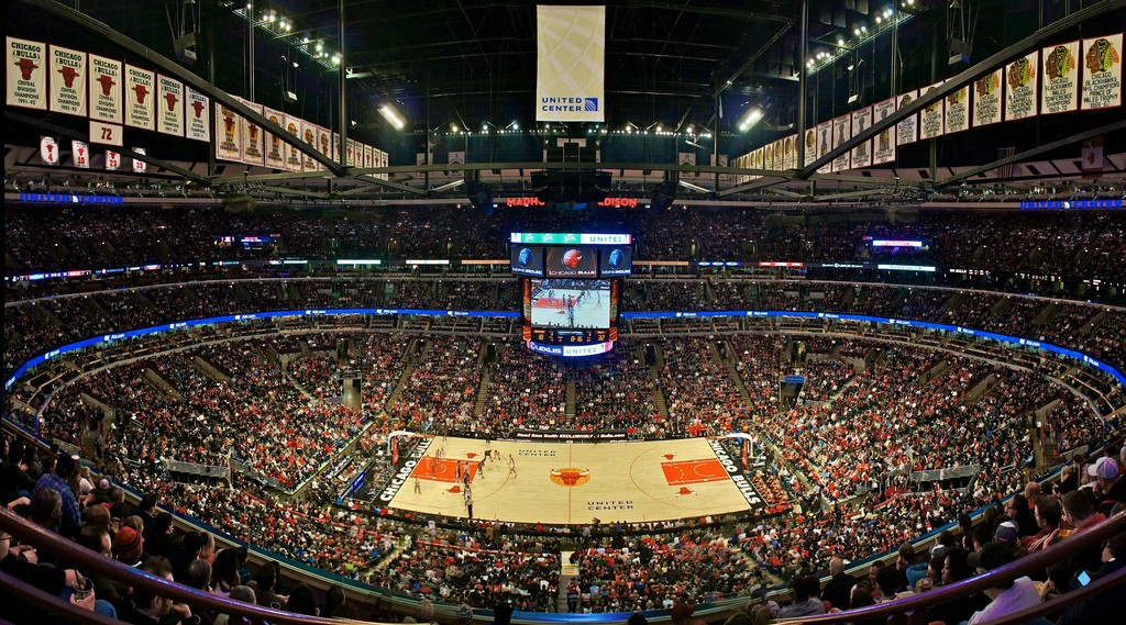 "alt=""perros detectores NBA United Center"""